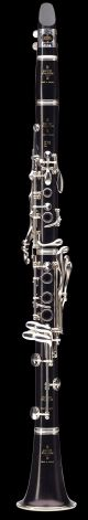 Buffet E13 clarinet. Wooden body. Silver plated keys. Leather case.