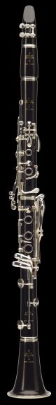 Buffet R13 BC1231 Clarinet in A. Wooden body. Silver plated keywork. Brown leath